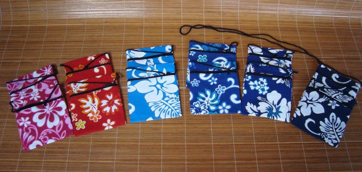 portapassaporto haway , confezione di dodici pezzi in 6 colori, disponibile anche i portapassaporti in fantasia geki piccoli stampati a mano