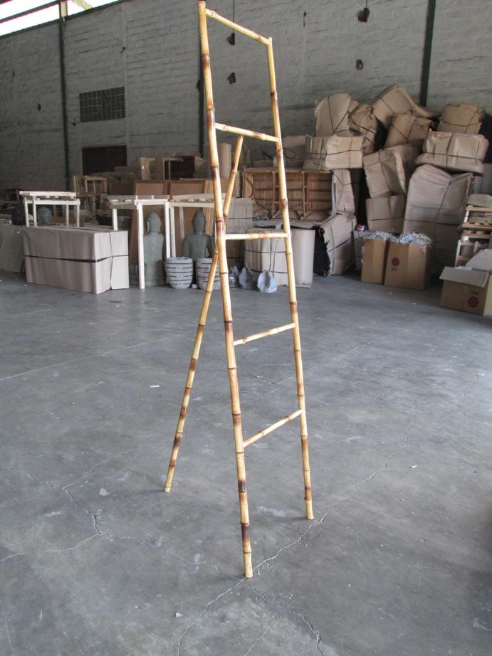 altezza cm 180, leggerissimo e robusto, bamboo naturale