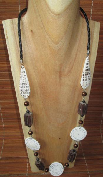 collana conchiglie legno