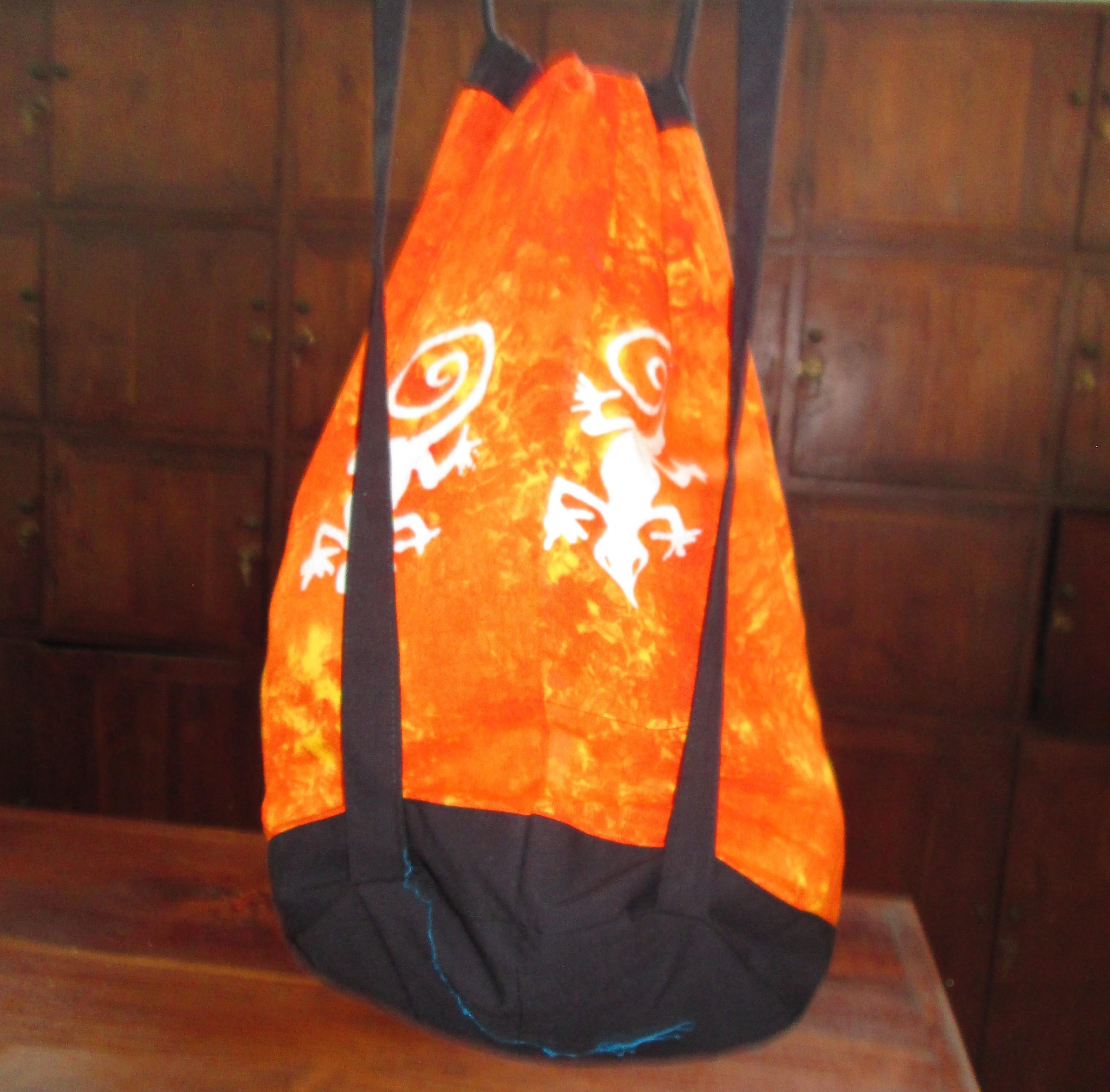 zainetto tinto a batik motivo geko, 10 pezzi in 10 colori