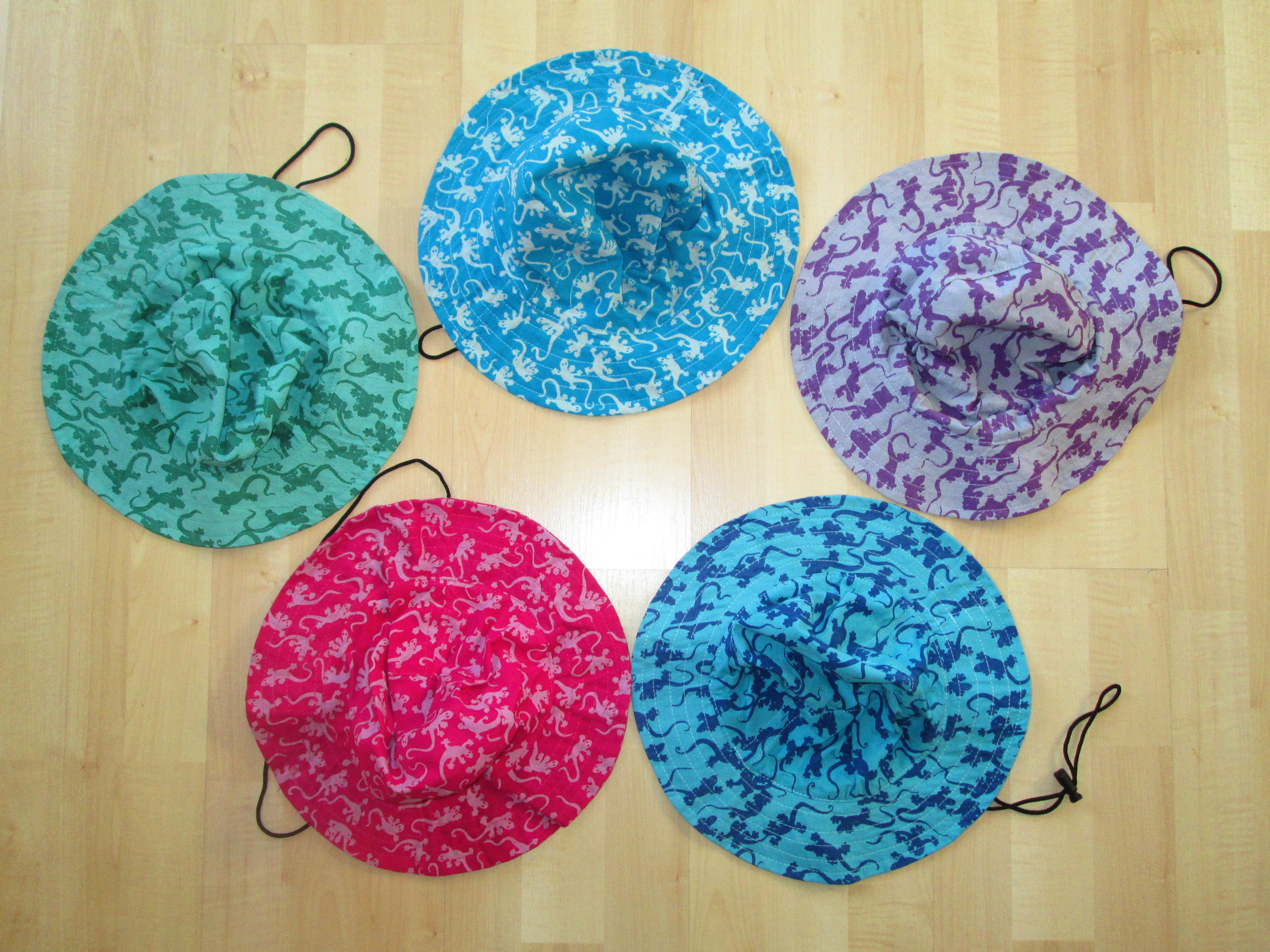 cappelli cotone stampato a mano motivo geki , confezione da 10 pezzi in 5 colori